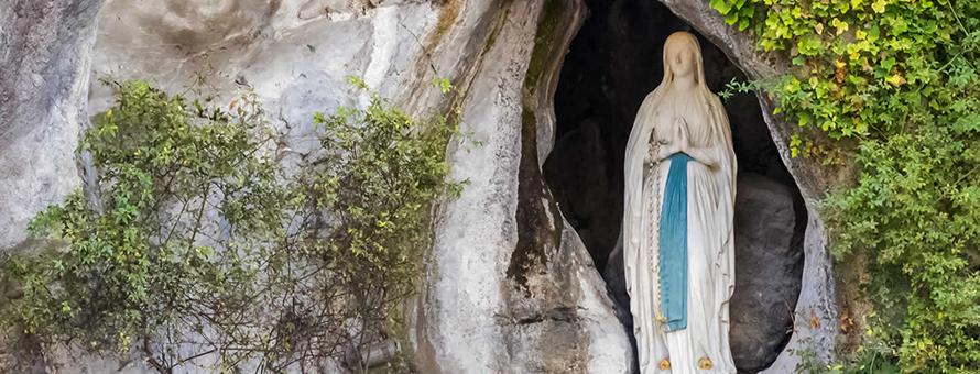 Virtual Pilgrimage Week Rosary at the Grotto